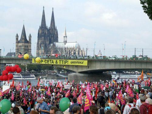 Demo gegen TTIP und CETA am 17.9.2016 in Koeln. Foto: AvantiO.