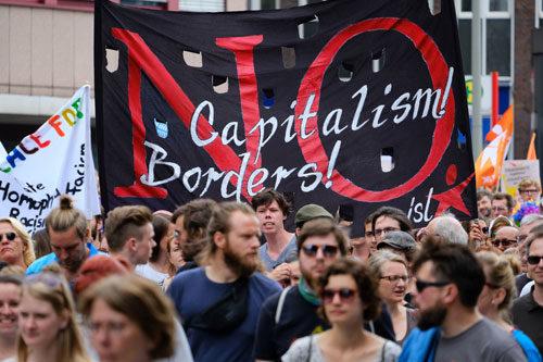 Die Großdemonstration am Samstag. Foto: Uwe Bitzel.