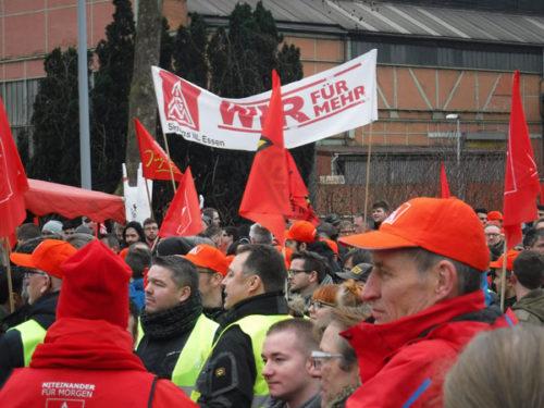 Kundgebung der IG Metall beim Warnstreik am 23.01.18 in Mülheim/Ruhr. Foto: Avanti O.
