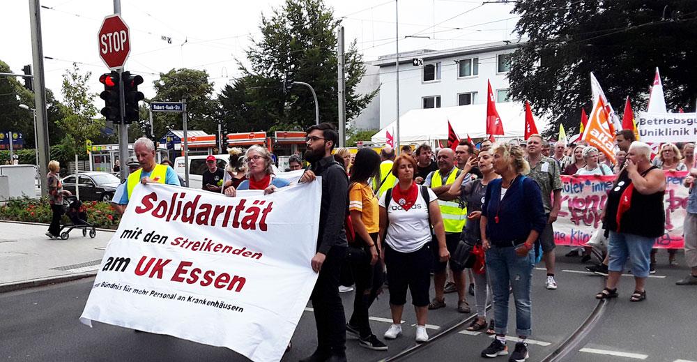 Solidaritätsdemo mit den streikenden Kolleg*innen in Essen, 9. August 2018. Foto: Avanti O.