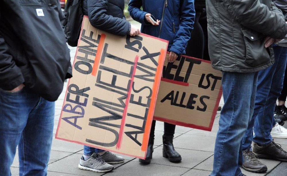 """Demo von Schüler*innen am """"Friday for Future"""" in Oberhausen, 8. Februar 2019. Foto: Andrea-Cora Walther."""