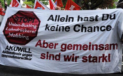 Auch der Aktionskreis gegen Unternehmerwillkür war beim Internationalen Kampftag der ArbeiterInnenklasse wieder sichtbar mit dabei. Foto: Andrea-Cora Walther.