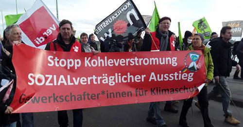 """Gewerkschafter*innen für Klimaschutz bei der """"Kohle stoppen – Klimaschutz jetzt!"""" Demo am 01.12.2018 in Köln. Foto: AvantiO."""
