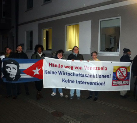 Protestaktion am 7. März vor dem Theater Oberhausen. Foto: Avanti O.