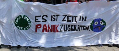Fronttransparent bei der Fridays for Future Demo am 24. Mai 2019 in Oberhausen. Foto: R. Hoffmann.