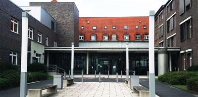 St. Josef-Hospital, (noch) eines der Krankenhäuser des KKO. Foto: R. Hoffmann.