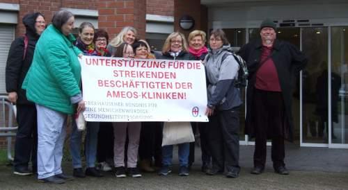 Aktion vom Oberhausener Bündnis für eine menschenwürdige Gesundheitsversorgung zum Internationalen Frauentag am Altenzentrum St. Clemens, 8. März 2020, Oberhausen-Sterkrade. Foto; R. Hoffmann.