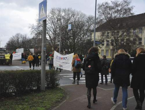 Flashmob zum Internationalen Frauentag, 9. März 2020, Oberhausen.. Foto: Andrea-Cora Walther.